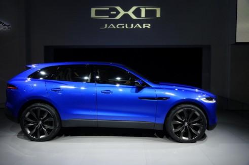 Jaguar CX-17 Concept Side - Frankfurt 2013 - carwitter