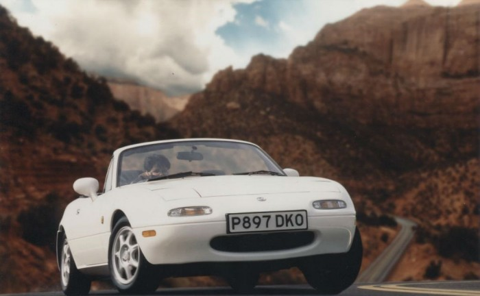 Mazda MX5 1.8 iS MK 1 White carwitter 700x432 - GUIDE: Buying a used Mazda MX5 - GUIDE: Buying a used Mazda MX5