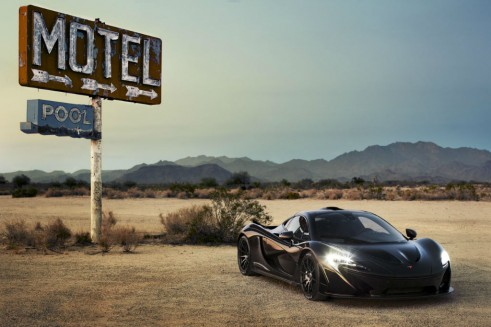 McLaren_P1_Extreme Heat Test Motel Sign - carwitter