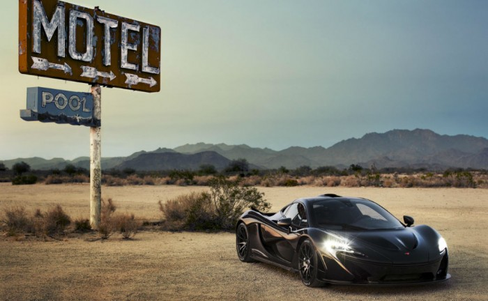 McLaren P1 Extreme Heat Test Motel Sign carwitter 700x432 - McLaren P1 Hot Weather Testing Pictures - McLaren P1 Hot Weather Testing Pictures