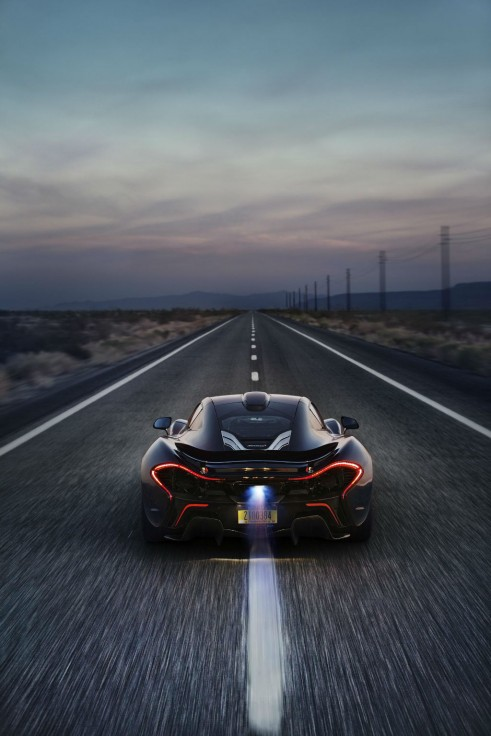 McLaren_P1_Extreme Heat Test Rear On Road - carwitter