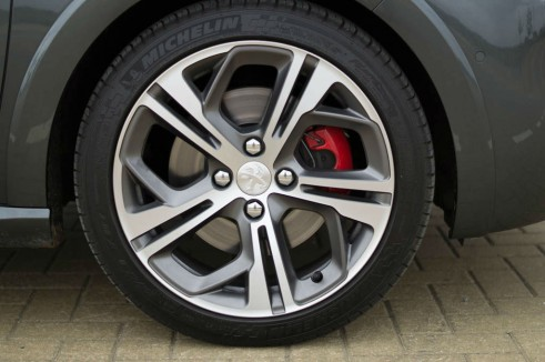 Peugeot 208 GTI Review Alloys - carwitter