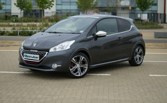 Peugeot 208 GTI Review Front Angle Close carwitter 700x432 - Peugeot 208 GTi Review – Classic Reborn? - Peugeot 208 GTi Review – Classic Reborn?