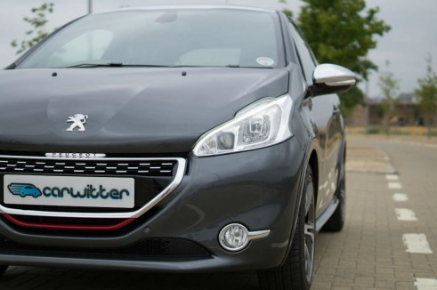 Peugeot 208 GTI Review Headlight - carwitter