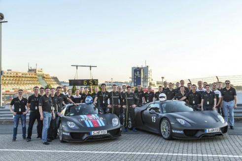 Porsche 918 Spyder Nurburgring Lap Record Team - carwitter