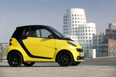 Smart fortwo Cityflame side - carwitter