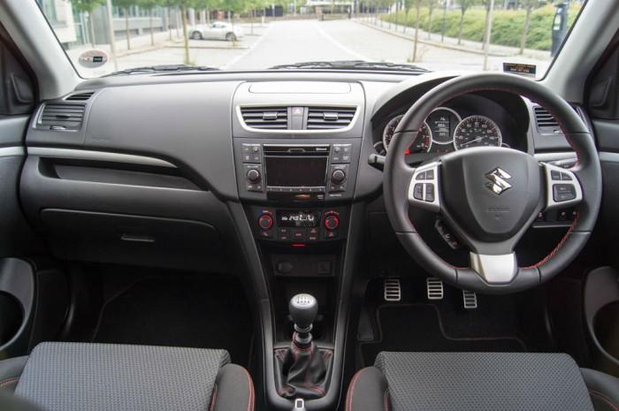 Suzuki Swift Sport 5 Door Review Dashboard carwitter 700x465 - Suzuki Swift Sport 5 Door Review - Practical fun - Suzuki Swift Sport 5 Door Review - Practical fun