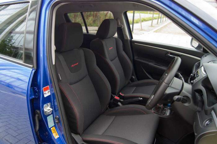 Suzuki Swift Sport 5 Door Review Front Seats carwitter 700x465 - Suzuki Swift Sport 5 Door Review - Practical fun - Suzuki Swift Sport 5 Door Review - Practical fun