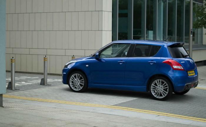 Suzuki Swift Sport 5 Door Review Side carwitter 700x432 - Suzuki Swift Sport 5 Door Review - Practical fun - Suzuki Swift Sport 5 Door Review - Practical fun