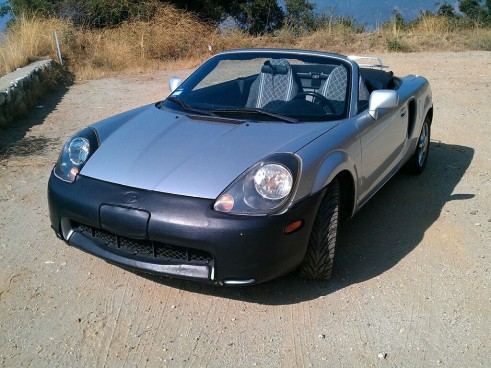 Toyota MR2 spyder Front carwitter  491x368 - Why I love my car - 2001 Toyota MR2 Spyder - Why I love my car - 2001 Toyota MR2 Spyder