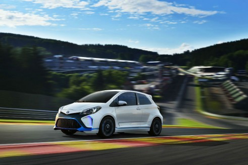 Toyota Yaris Hyrbid-R Concept Front On Track - carwitter