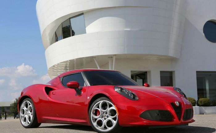 Alfa Romeo 4C Front carwitter 700x432 - Alfa Romeo 4C Specs & Price - Alfa Romeo 4C Specs & Price