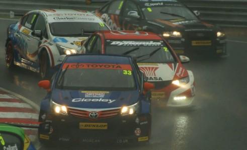 BTCC 2013 Brands Hatch Final - Corner Action - carwitter
