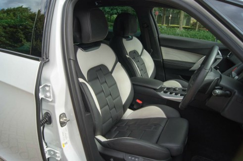 Citroen DS5 Review Front Seats carwitter 491x326 - Citroen DS5 Review – Alternative executive car? - Citroen DS5 Review – Alternative executive car?