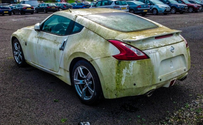 IMG 20131020 103205 767 700x432 - The abandoned Nissan 370z at Silverstone - The abandoned Nissan 370z at Silverstone