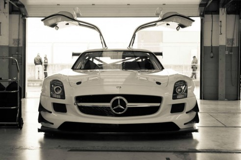 Mercedes SLS GT3 Eurotech - Front - carwitter