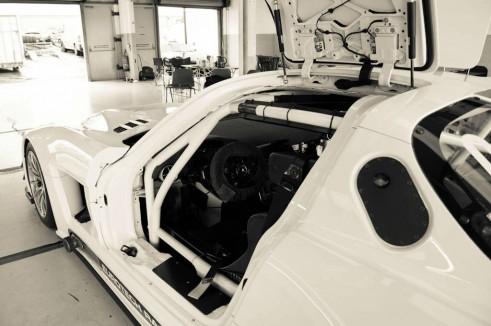 Mercedes SLS GT3 Eurotech - cockpit  door- carwitter