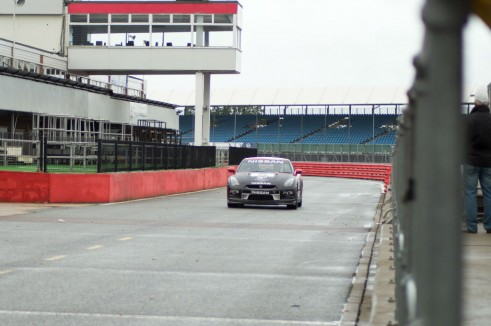 Nissan GTR Silverstone Experience Pits carwitter 491x326 - Why the R35 Nissan GT-R is my all time favourite car - Why the R35 Nissan GT-R is my all time favourite car