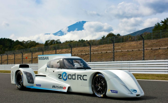 Nissan ZEOD Fuji Speedway WEC 2013 Side carwitter 700x432 - Nissan reveal ZEOD RC engine - Nissan reveal ZEOD RC engine