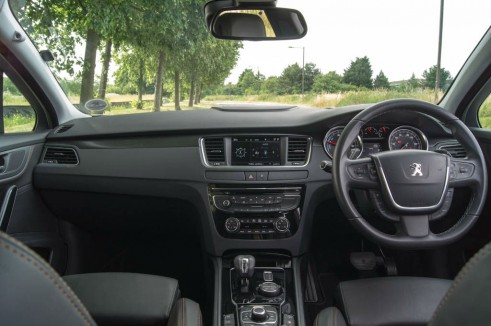 Peugeot 508 RXH Review - Dashboard - carwitter