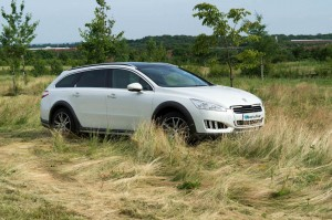 Peugeot 508 RXH Review Front Side carwitter 300x199 - Peugeot 508 RXH Review – An estate with a difference - Peugeot 508 RXH Review – An estate with a difference