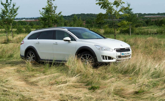 Peugeot 508 RXH Review Front Side carwitter 700x432 - Peugeot 508 RXH Review – An estate with a difference - Peugeot 508 RXH Review – An estate with a difference