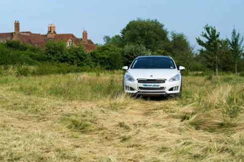 Peugeot 508 RXH Review - Front - carwitter