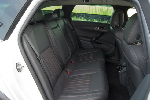 Peugeot 508 RXH Review - Rear Seats - carwitter