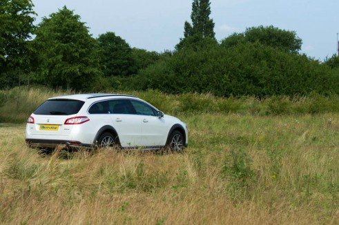 Peugeot 508 RXH Review - Rear Side - carwitter