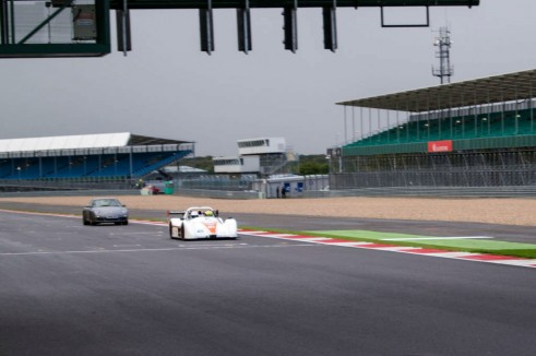 Radical SR3 RS Experience Mad Silverstone - On Track