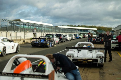 Radical SR3 RS Experience Mad Silverstone - Pit Lane Busy