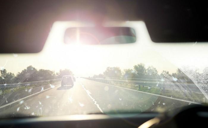 Windscreen Sun Dazzle carwitter 700x432 - Sun Dazzle accidents up by 12% - Sun Dazzle accidents up by 12%