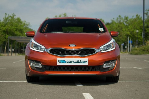 2013 Kia Proceed Review - Front Close - carwitter