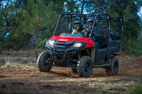 2014-Honda-Pioneer-700-4-Carwitter