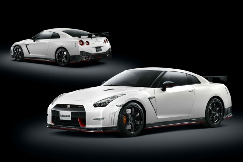 2014 Nissan Nismo GT-R - Front Rear - carwitter