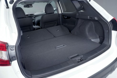 2014 Second Generation Nissan Qashqai Boot Space - carwitter