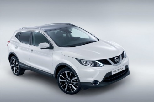 2014 Second Generation Nissan Qashqai Front High - carwitter