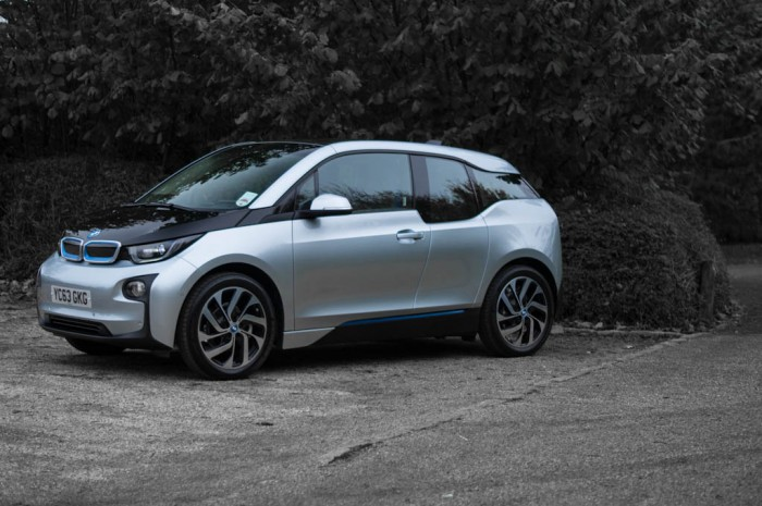 BMW i3 Review - Side - carwitter