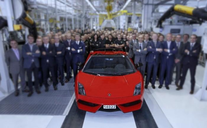 FinalGallardoCarwitter 700x432 - Lamborghini Gallardo: RIP 2003-2013 - Lamborghini Gallardo: RIP 2003-2013
