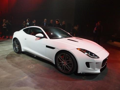 Jaguar F-Type LA Auto Show 2014 - Front Angle - carwitter