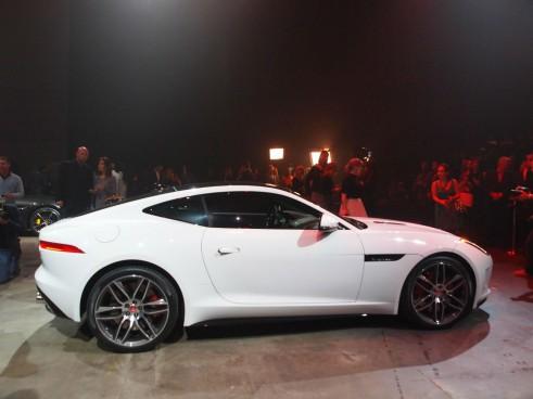 Jaguar F-Type LA Auto Show 2014 - Side - carwitter