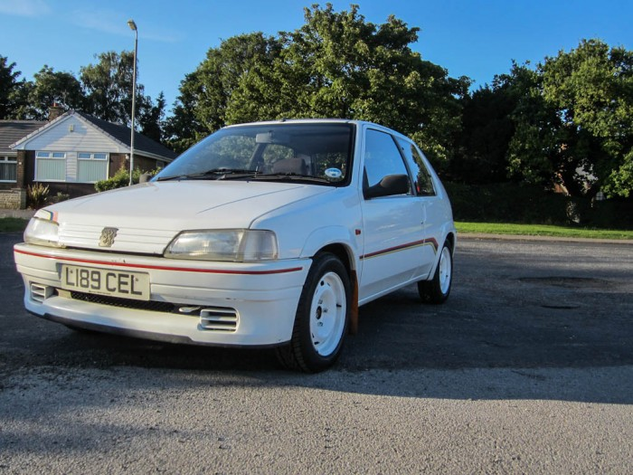 Peugeot 106 Rallye S1 Front carwitter 700x525 - Owning a Peugeot 106 S1 Rallye - Owning a Peugeot 106 S1 Rallye