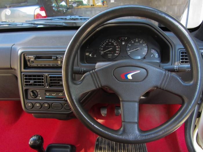 Peugeot 106 Rallye S1 Steering Wheel - carwitter
