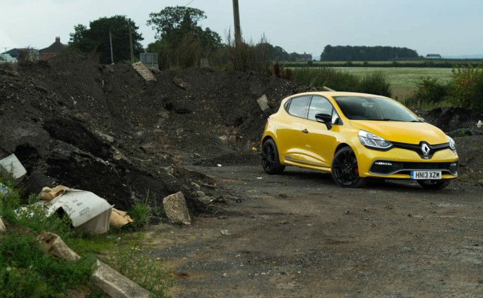 RenaultSport Clio 200 Turbo Review Front Scenic carwitter 700x432 - Renaultsport Clio 200 Turbo Review – Have Renault lost the lead? - Renaultsport Clio 200 Turbo Review – Have Renault lost the lead?