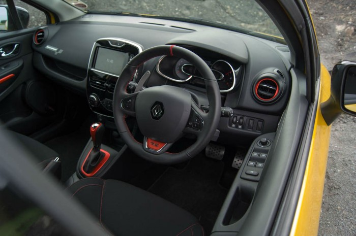 RenaultSport Clio 200 Turbo Review Interior carwitter 700x465 - Renaultsport Clio 200 Turbo Review – Have Renault lost the lead? - Renaultsport Clio 200 Turbo Review – Have Renault lost the lead?