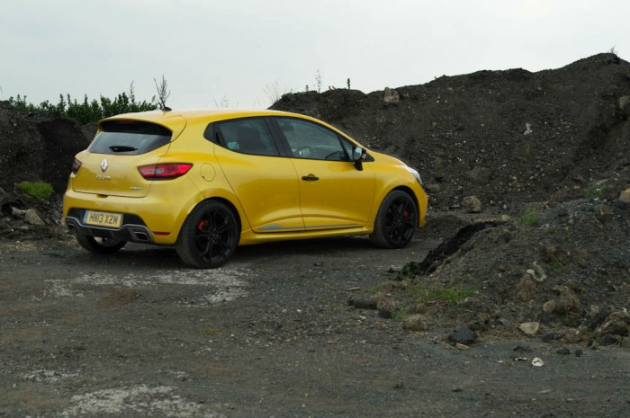 RenaultSport Clio 200 Turbo Review Side Scenic carwitter 700x465 - Renaultsport Clio 200 Turbo Review – Have Renault lost the lead? - Renaultsport Clio 200 Turbo Review – Have Renault lost the lead?