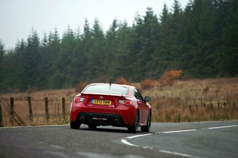 Toyota GT86 Red Rear - carwitter