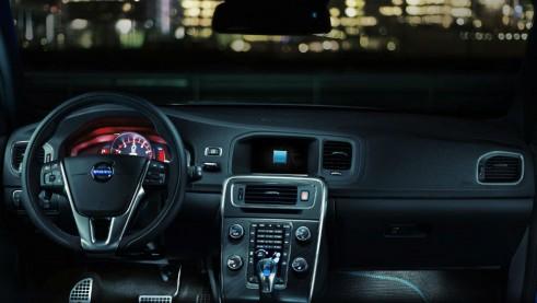 Volvo V60 Polestar Dashboard - carwitter