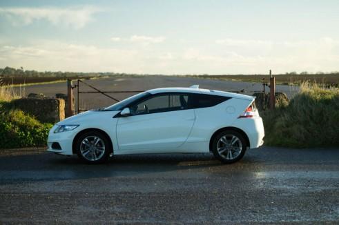 2013 Honda CRZ Review - Side - carwitter
