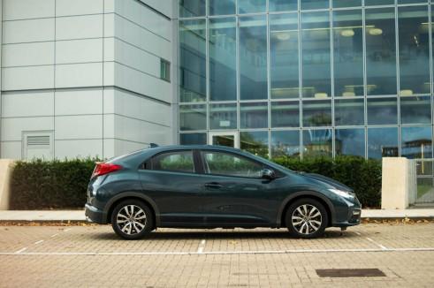 2013 Honda Civic Review Side carwitter 491x326 - 2013 Honda Civic Review – Perfect family hatch - 2013 Honda Civic Review – Perfect family hatch